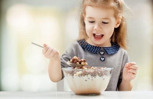 Giúp trẻ có thói quen ăn uống lành mạnh
